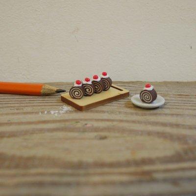 画像1: 渦巻きロールケーキ
