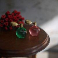 香水瓶(スプレータイプ)