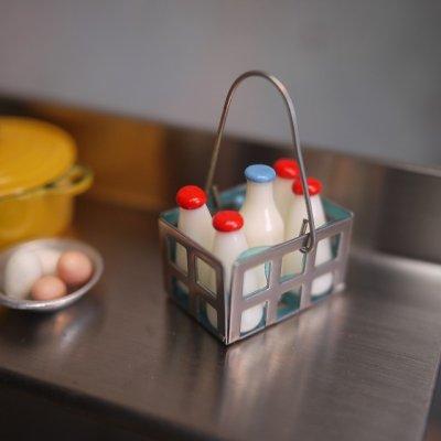 画像1: 瓶入りミルクバスケット 牛乳瓶(ニューバージョン)